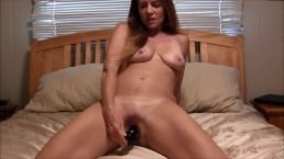 Sexy Milf Masturbating And Giving JOI