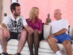 Swingtime For Sexy Blonde Milf